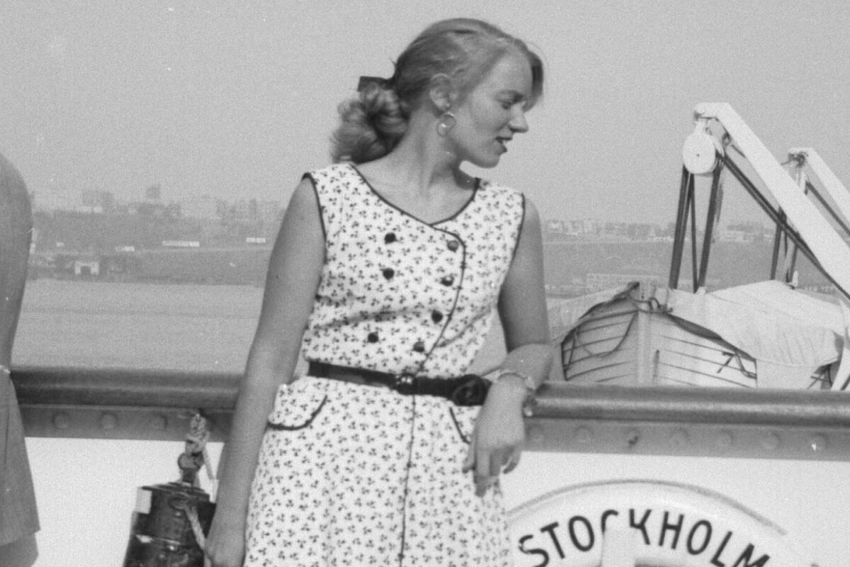 Anne Marie Hummel on the Stockholm Vessel in 1952, looking over board the ship